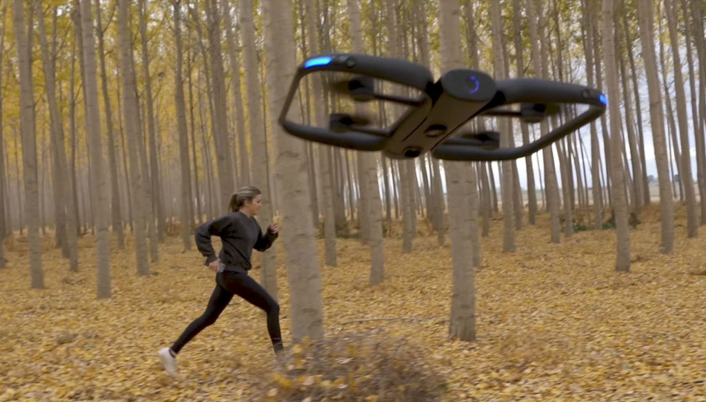 skydio 2 autonomous follows and records a runner in the forest